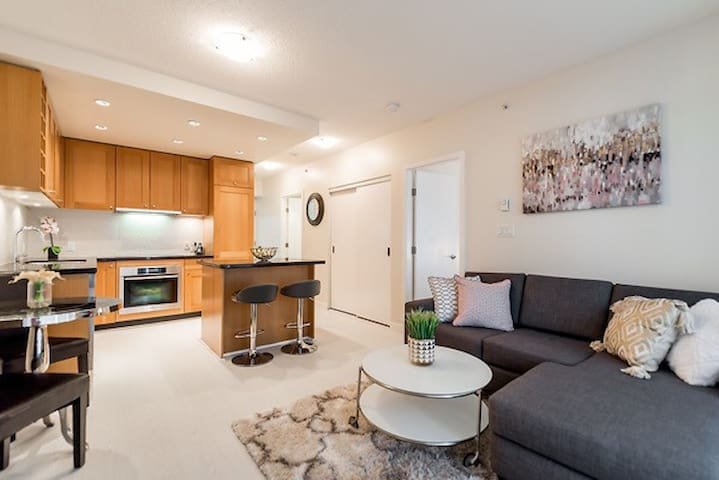 Downtown Vancouver - 2 Bedroom and Parking (R1) - Vancouver - Apartment