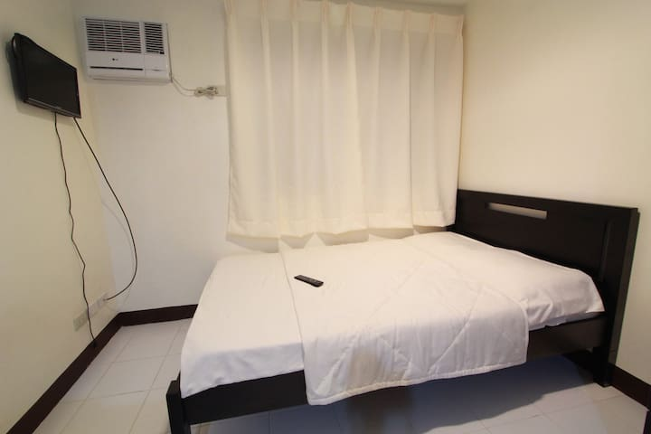 Orange Suites Serviced Apartments - Las Pinas City - Leilighet