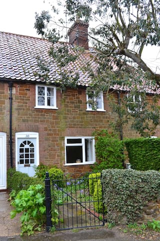 Pollywiggle Cottage - Heacham - House