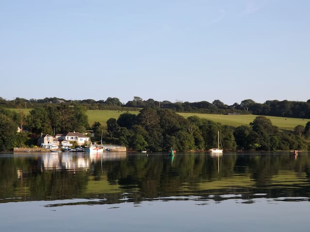 Holiday house beside Helford River. - Helston - Casa
