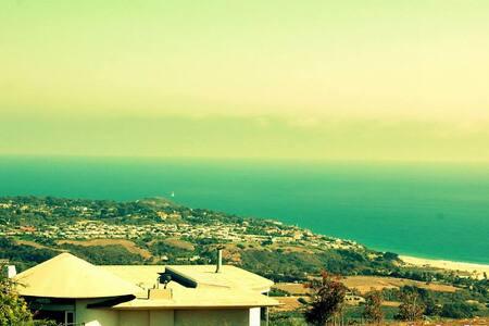 Quiet ocean view get away in celebrity 'hood' - Malibu