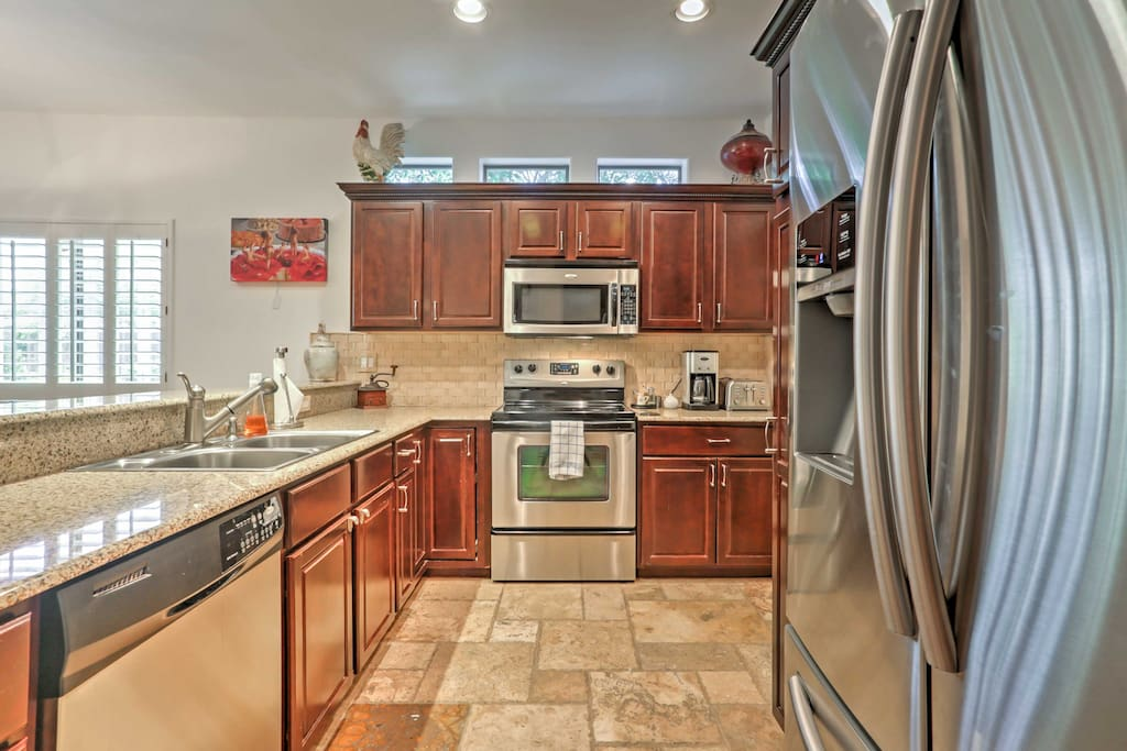 Whip up tasty meals for the whole group in this fully equipped kitchen.