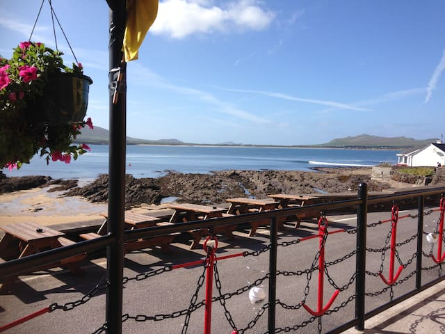 Coastguard Lodge & Beach - Room 6 - Dingle, Baile na nGall