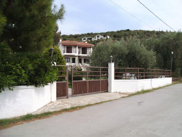 Kleopatra's House - Magnisia - บ้าน