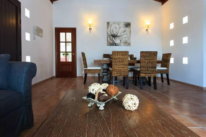 Villa de lujo, piscina y wifi. - Villaverde - Villa