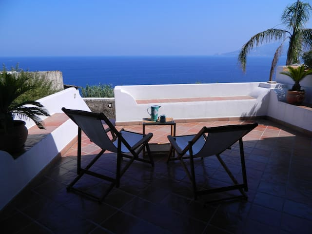 EOLIE: SALINA, ISLAND OF DREAMS - Santa Marina Salina - House