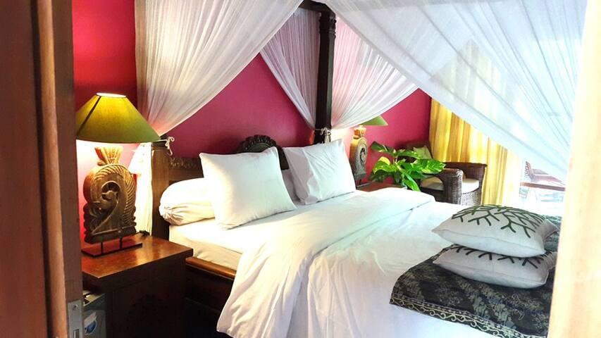 POOL FRONT BEDROOM IN SEMINYAK - Kuta - Lägenhet