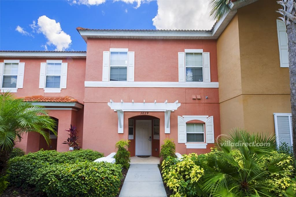 You and your family will have a vacation that will give you memories to cherish forever when you stay at this upscale, 3 bedroom town home in the beautiful setting of the Encantada resort.
