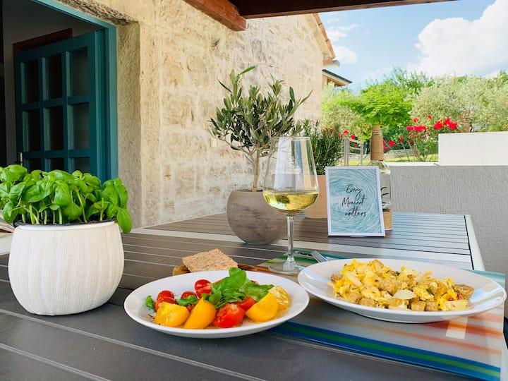 Romantic stone Istrian villa, with a private pool