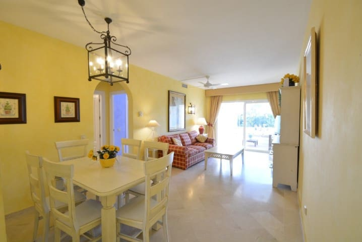 Costalita Retreat - walk to beach,pools,restaurant - Estepona - Apartment