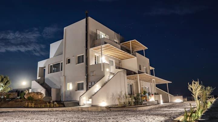 Pharos Apartments - Grand Apartment