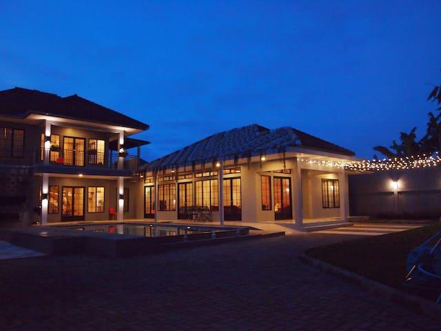 Manoko Ville Lembang - Lembang