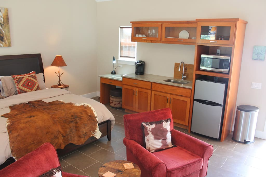 Bedroom and Kitchenette