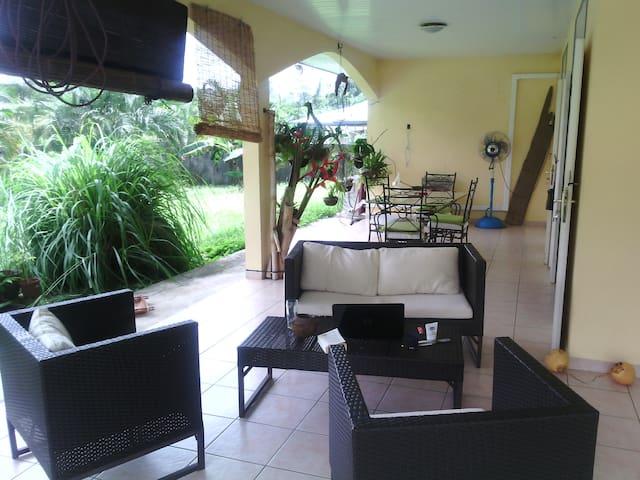Chambre à louer à la Chaumière - Matoury
