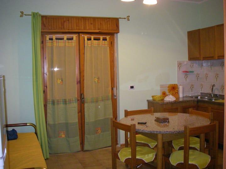 Апартамент у моря в Скалее (Италия)