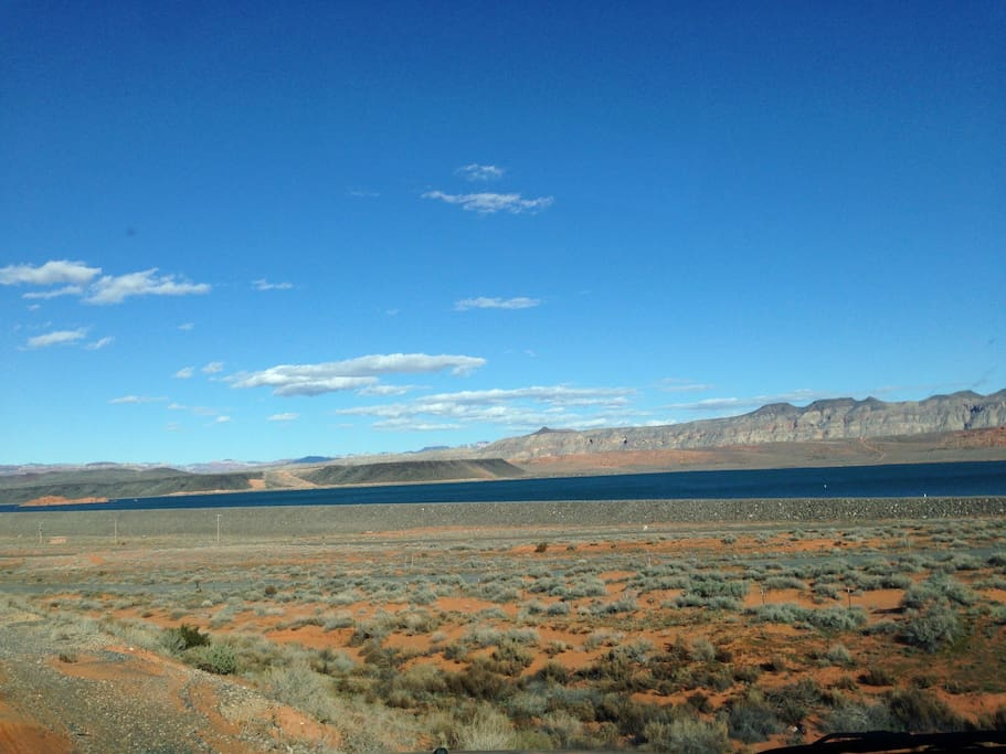 Miinutes away from Sand Hollow State Park & Reservoir