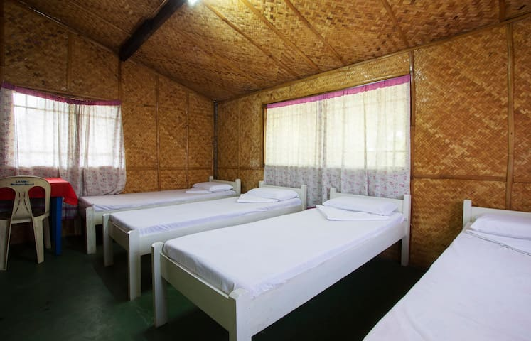 ☆Native Room A- 4pax.Beach 2min!☆ - Island Garden City of Samal - Penzion (B&B)