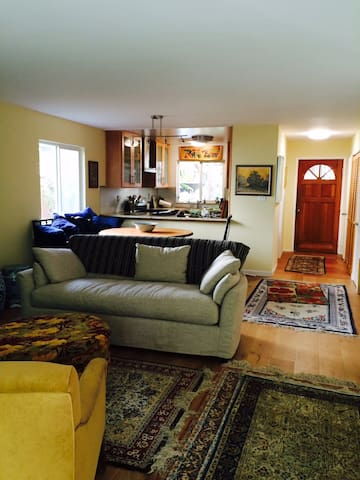 Hike and bike from your doorstep 2 bd/1ba