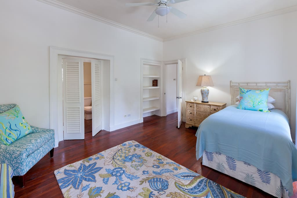 Third Bedroom W/One Single Bed