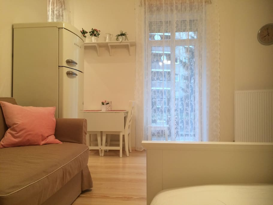 berlin furnished apartment apartments for rent in berlin berlin germany. Black Bedroom Furniture Sets. Home Design Ideas