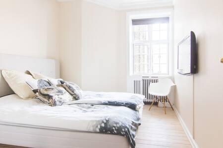 Stylish Central Frederiksberg app. - Frederiksberg - Apartment