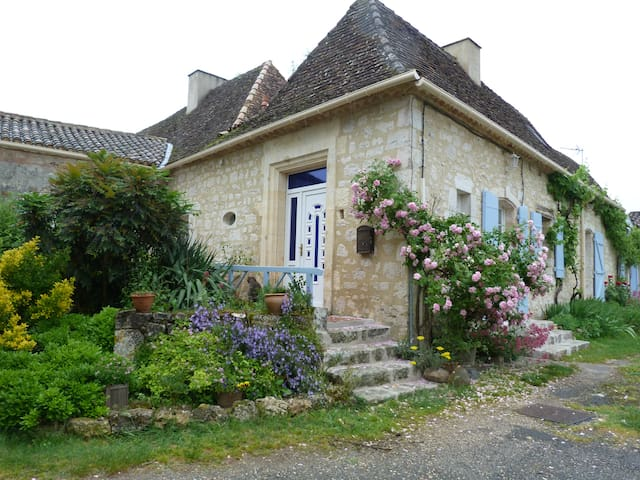 GITE DE CHARME AU COEUR DU PERIGORD - Saint Leon d'Issigeac  - Dům