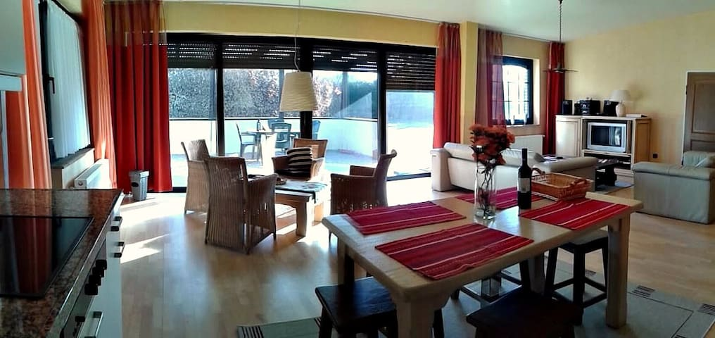 Guesthouse with Privacy Big Garden - Bawinkel - Talo