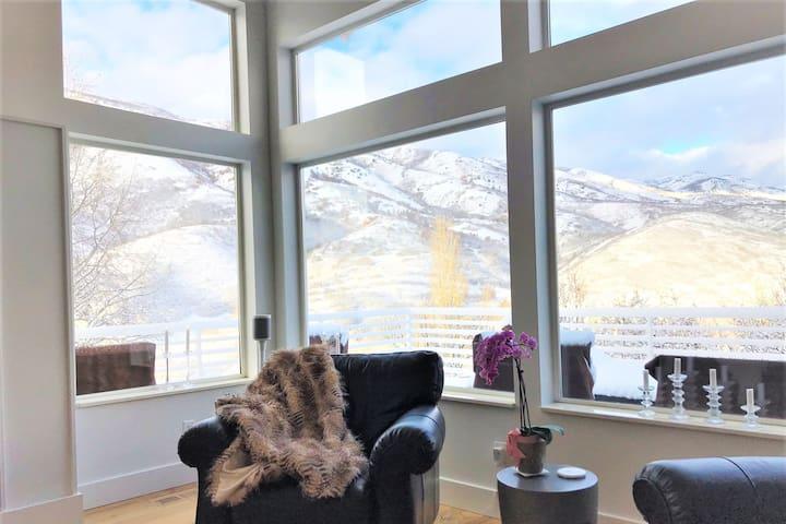 Stunning Modern Emigration Canyon Mountain Retreat