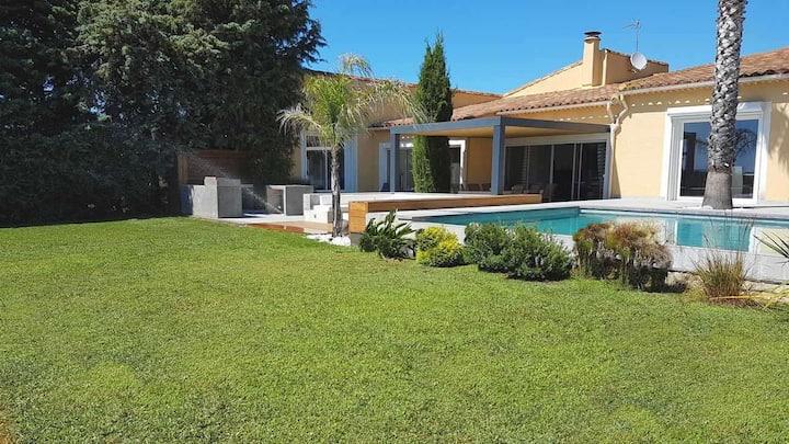 Superbe villa 200 m² piscine chauffée 12 couchages