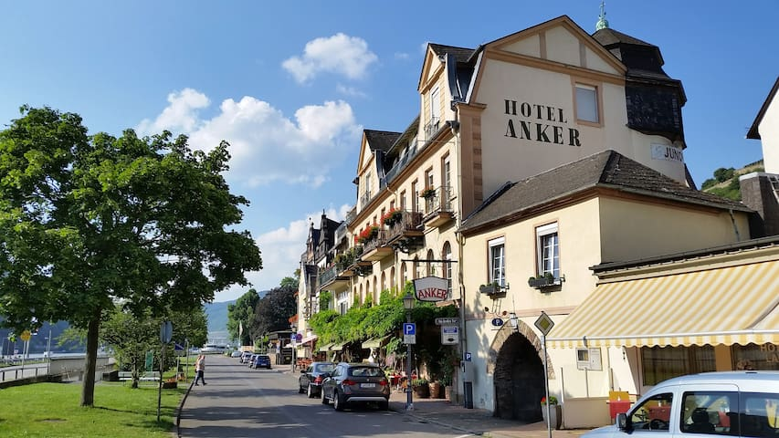 "Apartment on the historic ""Eismauer - Rüdesheim am Rhein - Appartement"