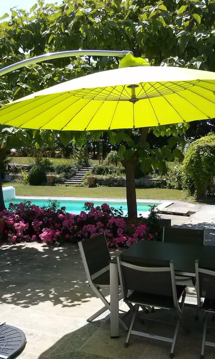 Chambres et p. dej près de Chalons en Champagne