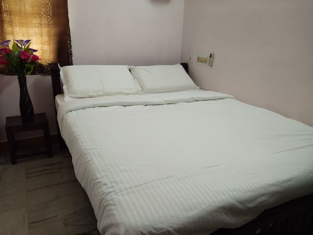 Close bed view