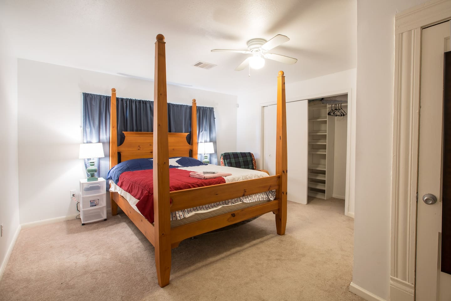 A big bed in a huge bedroom!  I can also add up to 3 extra air mattresses.