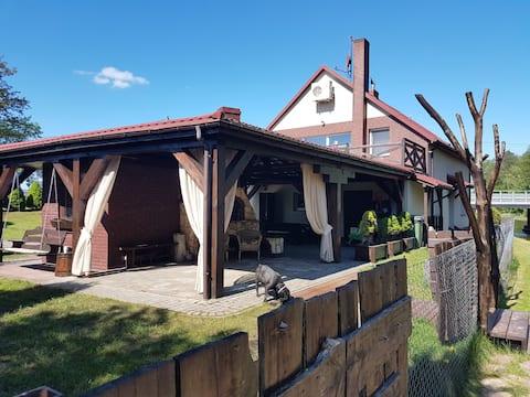 Całoroczny dom nad rzeką Ełk