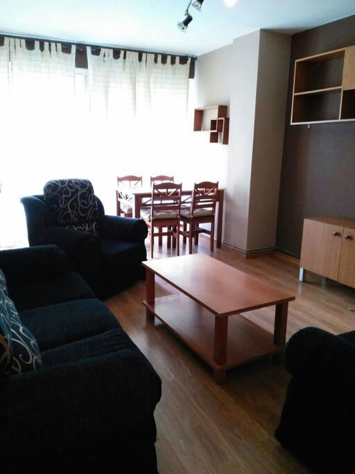 Piso c ntrico 4 pers posibilidad 6 apartamentos en for Compartir piso santander