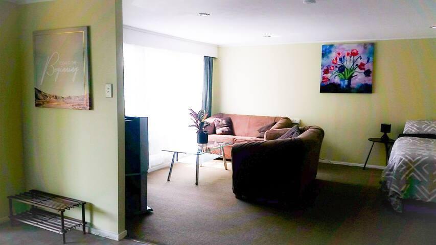 Quiet & Peaceful Accommodation @ Studio 15