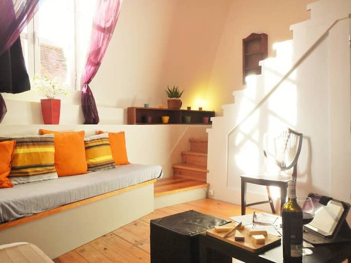 Free airport pickup - Central Lisbon Charming Loft
