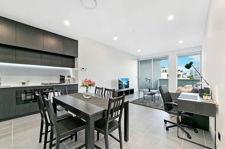 Sydney CBD: Heart of Redfern Brand New 2 BED T8