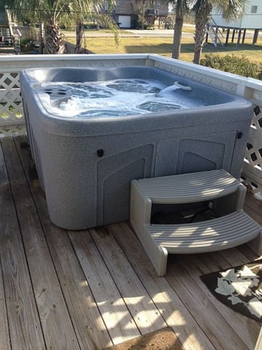 Hot tub for hanging out at night or after a day at the beach.