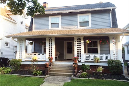 Dutch colonial Century home Charm - Cleveland