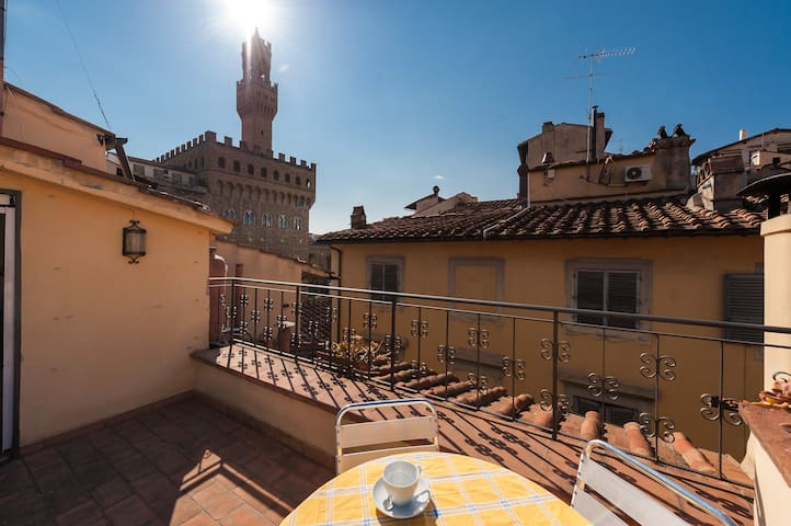 PIAZZA SIGNORIA SUITE WITH TERRACE