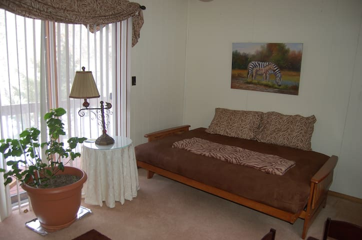 Great Place To Stay in the Poconos - Bushkill - Bed & Breakfast