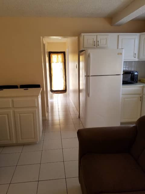 Ideally Cozy Apt/Near Four Seasons Resort & Beach