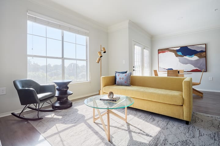 Sonder | South Congress | Creative 2BR + Balcony