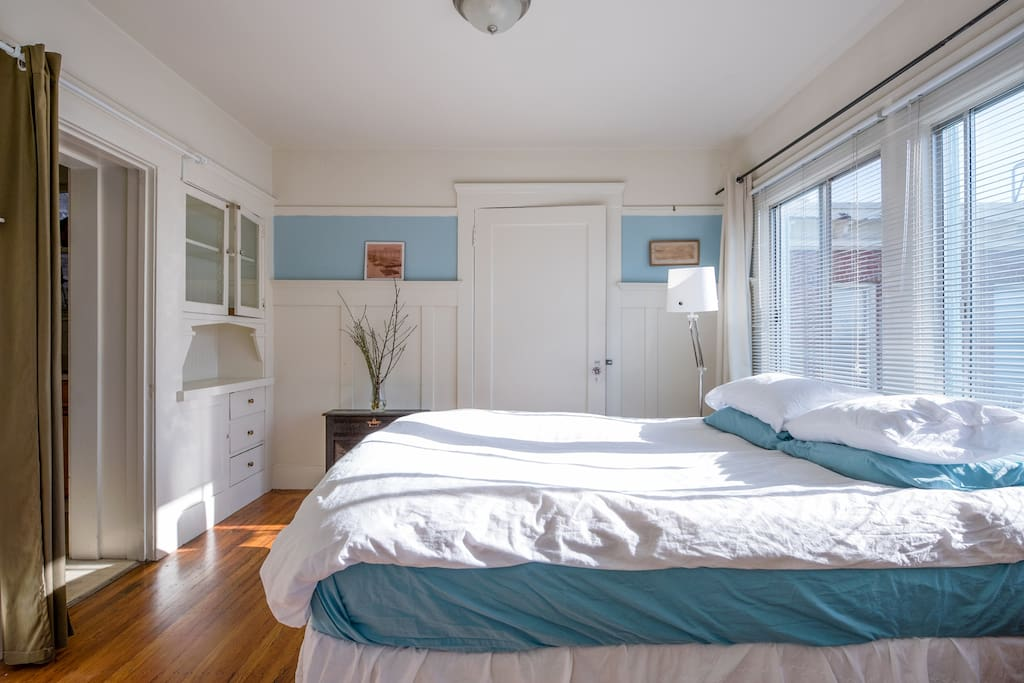 Sunny Lake Merritt 1 Bd Apartment Apartments For Rent In Oakland California United States