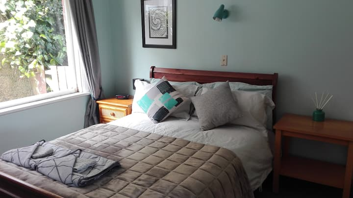 Stay in the Bay (Apartment B)