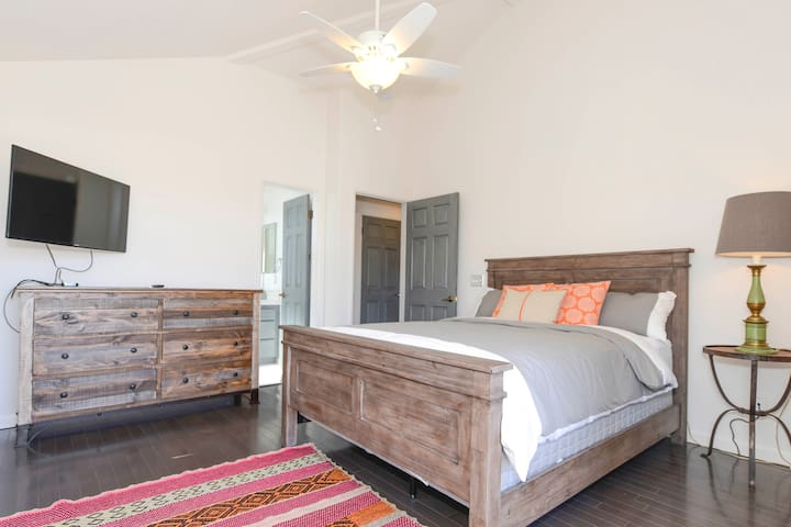 Upper East Master Suite with HD-TV