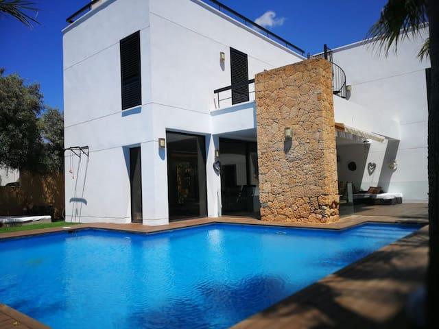 NWT Villa Samarinada.
