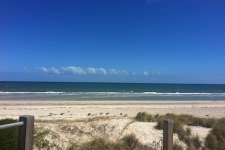 Kate's cottage by the seaside - Henley Beach - Lejlighed
