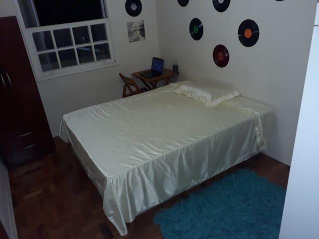 Ótimo quarto esquina da Av Angélica 2 min do metrô